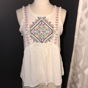 Embroidered flowy tank top!